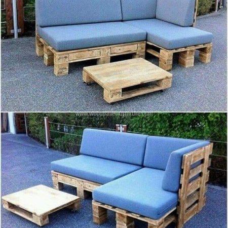 Canapé 4 places avec 1 table +coussins