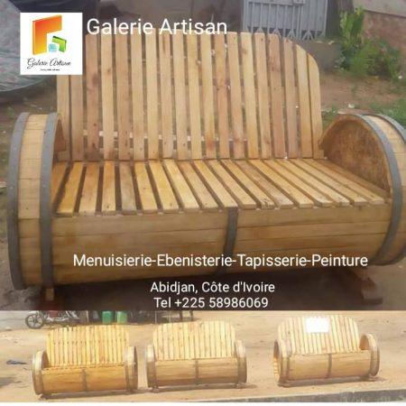 1Fauteuil tonneau avec coussin en bois + fer forgé