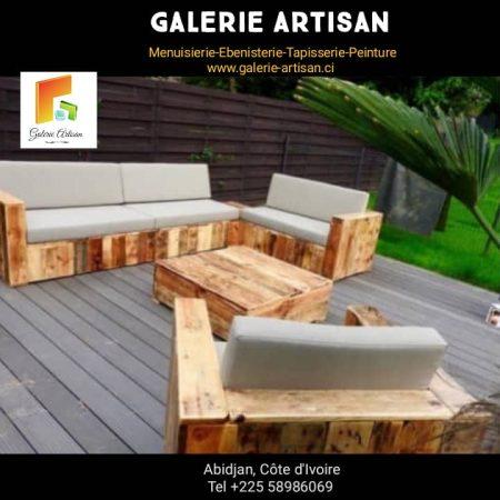 Salon 06 places avec coussins + 1 table vitrée