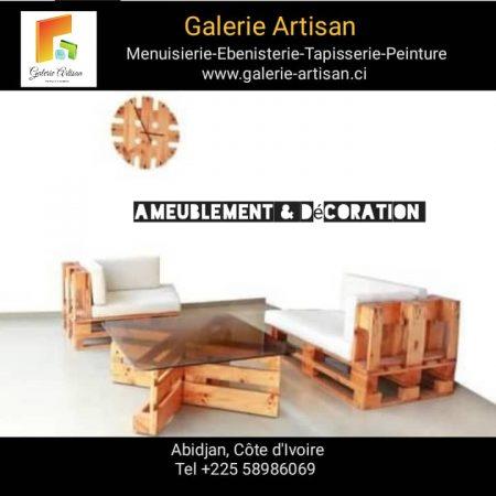 Salon 03 places avec coussins + 1 table vitrée