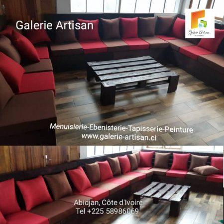 Salon 15 places avec coussins + 1 table vitrée